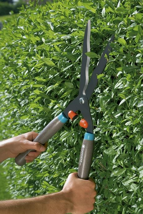 hand operated hedge clippers